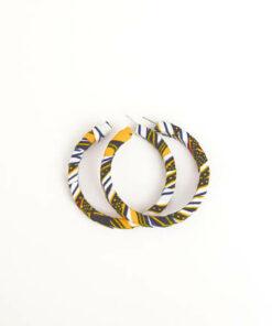 bijoux en wax, achat de boucles d'oreilles africaines, bijoux fait avec du wax, parure femme avec du wax, collier en wax, bracelet en wax, foulard en wax, boite à bijoux en wax, collier fait avec du tissu wax, bracelet en tissu wax, collier africain, artisanat africain, bracelets motif africain, acheter des tissus africains