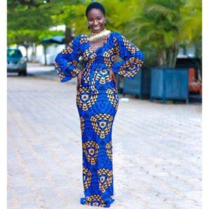 Comment porter la robe Kelechi