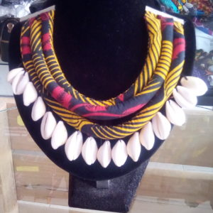 Collier ethnique avec motif en tissu wax, Accessoire de beauté en wax