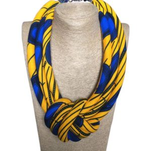 Collier ankara tissu wax, Bijou femme wax fait main, bijoux en wax, achat de boucles d'oreilles africaines, bijoux fait avec du wax, parure femme avec du wax, collier en wax, bracelet en wax, foulard en wax, boite à bijoux en wax, collier fait avec du tissu wax, bracelet en tissu wax, collier africain, artisanat africain, bracelets motif africain, acheter des tissus africains