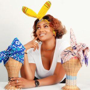 Headband maniable conçu en pagne africain