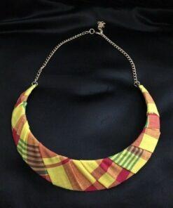 Collier en tissu madras traditionnel
