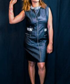 Robe imitation cuir noir customisée avec du wax. robe en cuir. robe customisée.